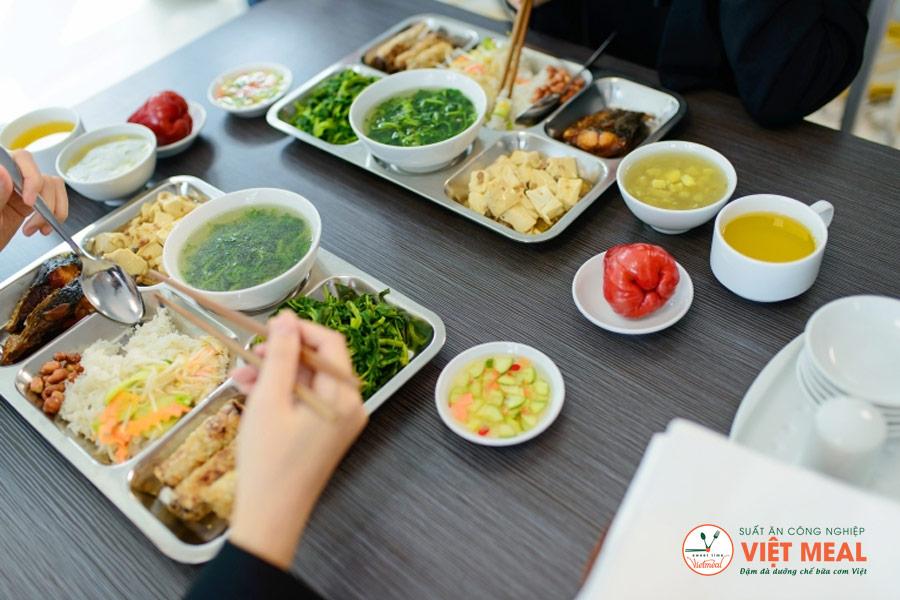 Suất ăn công nghiệp Việt Meal